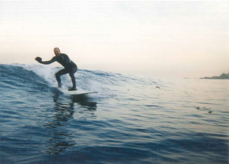 peter-nosco-surfing
